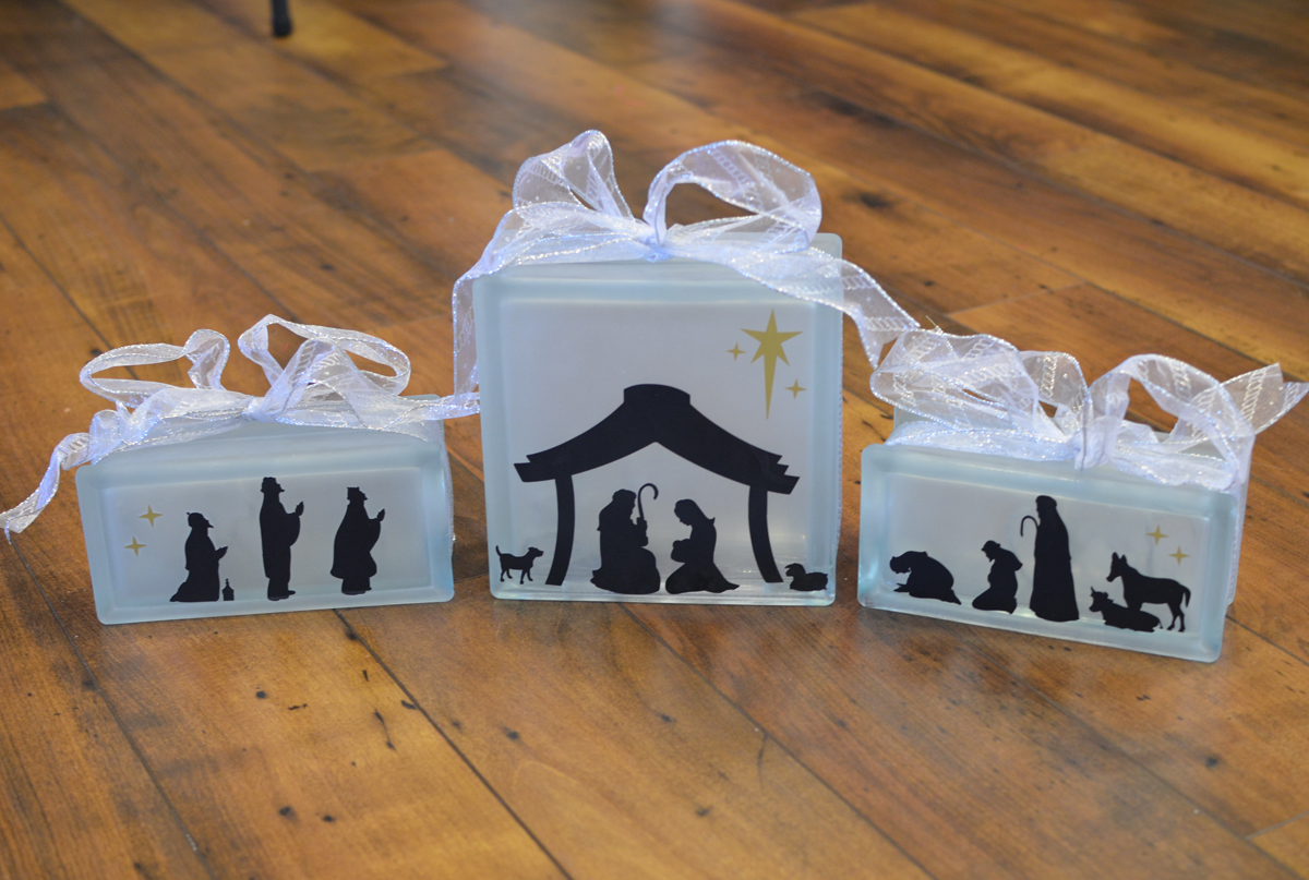 KraftyBlok Nativity Scene with ribbon